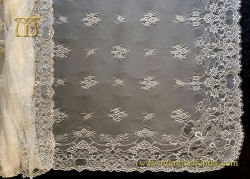 Mantilla Chantilly marfil, mod. 52044